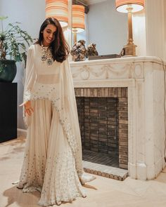 Indo-Western Gown Styles For You To Sport At The Next Wedding - Wedding Outfit Robes Western, Western Gown, Western Dresses, Western Outfits, Cowgirl Outfits, Lehenga Designs, Gharara Designs, Indian Gowns Dresses, Pakistani Dresses