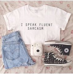 Teen Fashion: Five Perfect outfit ideas for the weekend that . Cool text to put on things :) Cute Fashion, Teen Fashion, Fashion Outfits, Womens Fashion, Fashion Ideas, Fashion Shirts, Fashion Inspiration, Fashion Design, Fashion Trends