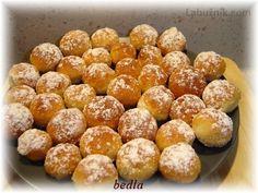 Koláče máčené v rumu (nekynuté) recept - Labužník.cz Czech Recipes, Sweet Desserts, Pretzel Bites, Nutella, Baking Recipes, Rum, Sweet Tooth, Deserts, Good Food