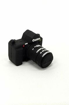 This Universal flash drive shaped like a DSLR Camera is perfect to store your photos on and makes you smile when you use it. Photographer Gifts, Gifts For Photographers, 35mm Camera, Love Photography, Digital Camera, Flash Drive, Usb, Memories, Shape