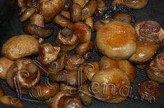 Ciuperci la cuptor, simple Oven Roasted Mushrooms, Stuffed Mushrooms, Pretzel Bites, Vegetable Recipes, Food And Drink, Bread, Fruit, Vegetables, Ice Cream