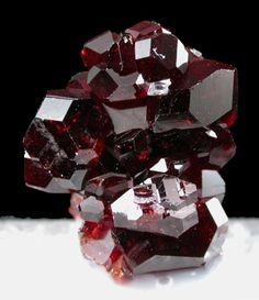 ✯ Blood Red Uvite Crystals ✯