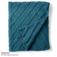 Bernat Reversible Knit Lap Blanket, Knit Pattern | Yarnspirations