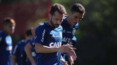 Zé Ricardo admite promover estreias de Everton Ribeiro e Rodholfo no Fla contra a Chape quarta