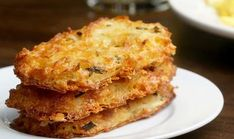 Cheesy Baked Hash Brown Patties Recipe by Tasty - cut down on garlic salt to teaspoon and cup of melted butter Potato Hash Brown Recipe, Hash Recipe, Sweet Potato Hash, Recipe Tasty, Cheesy Hashbrown Bake, Cheesy Hashbrowns, Baked Hashbrown Recipes, Hash Brown Patties, Crack Crackers