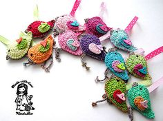 I wish I knew how to crochet as well as knit,,,,,,,,,,this are soooo darn cute!