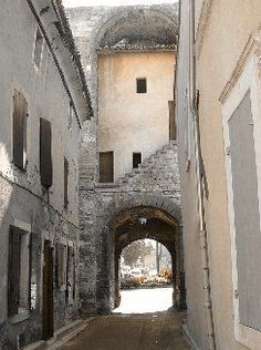 photo Pernes les Fontaines Vaucluse 84