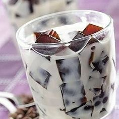 Coffee ice cubes with baileys and vanilla vodka