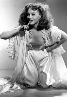 Ass Cleavage Paulette Goddard  nude (88 foto), Snapchat, butt