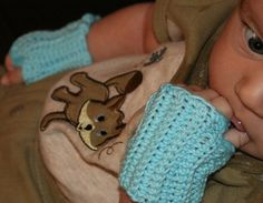 Free pattern  Baby Fingerless Mitts pattern by Hook Candy