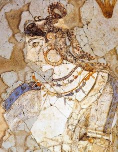 The Saffron Goddess B.) - a detail from a Minoan fresco depicting a saffron harvest. Atlantis, Ancient Greek Art, Ancient Greece, Fresco, Minoan Art, Bronze Age Civilization, Mediterranean Art, Sculpture Head, Mycenaean