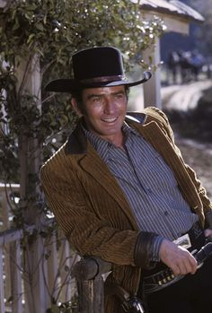 James Drury, The Virginian, Tv Westerns, Shiloh, Old West, Gorgeous Men, Cowboy Hats, Tv Shows, Old Things