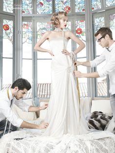 YolanCris-unique-wedding-dress-Livorno vestido dentro de encaje