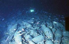 Restos de un barco romano cargado de ánforas intactos en Marsella, en Francia