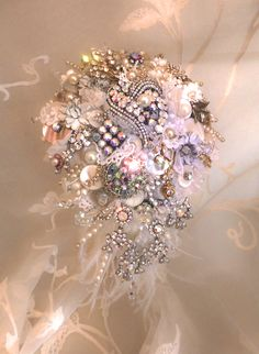 Design by DJ Bouquets... ♥ The classic 'Gatsby' shower bouquet