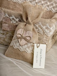 ideas for baby diy gifts ideas Burlap Wedding Favors, Burlap Favor Bags, Wedding Favor Bags, Burlap Wedding Decorations, Tree Decorations, Lavender Crafts, Burlap Runners, Table Runners, Diy Baby Gifts