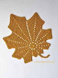 20 FREE Crochet Leaf Patterns for Every Season: Large Autumn Leaf Free Crochet Pattern MaisDepending on the material used may be an applique, a doily, rug. A thicker yarn and larger size crochet hook, bigger free crochet leaf patterns for spr Crochet Leaf Patterns, Crochet Leaves, Crochet Fall, Crochet Motifs, Crochet Squares, Crochet Home, Thread Crochet, Crochet Crafts, Crochet Doilies
