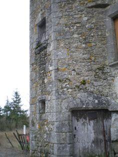 Hérisson, porte de l'ancien prieuré