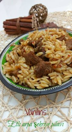 Kuzu Etli Arpa Şehriye Pilavı - Receta de arroz - Las recetas más prácticas y fáciles Rice Recipes, Seafood Recipes, Beef Recipes, Chicken Recipes, Recipies, Turkish Recipes, Italian Recipes, Ethnic Recipes, Easy Dinner Recipes