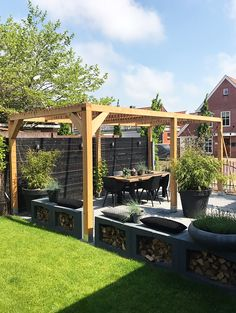 Pergola Curtains Ideas - - Pergola Terrasse Ipn - Backyard Pergola With Bar - Pergola Patio With TV - Pergola Designs DIY Diy Pergola, Small Pergola, Pergola Attached To House, Pergola With Roof, Wooden Pergola, Small Patio, Pergola Swing, Black Pergola, Pergola Curtains