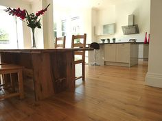 Town house in Clifton, Bristol with #FSC certified engineered #oak flooring.   What an amazing #decor !