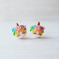 Kawaii unicorn polymer clay earrings, fantasy earrings, rainbow earrings, magical jewelry, unicorn j Polymer Clay Ring, Polymer Clay Projects, Clay Crafts, Clay Magnets, Diy Clay Earrings, Unicorn Jewelry, Cute Unicorn, Biscuit, Cute Clay