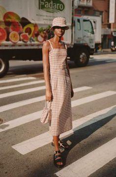 Lein Spring 2019 Ready-to-Wear Fashion Show Collection: See the complete Lein Spring 2019 Ready-to-Wear collection. Look 2 Estilo Fashion, Fashion Mode, Trendy Fashion, Boho Fashion, Womens Fashion, Runway Fashion, Fashion Stores, Vogue Fashion, Cheap Fashion