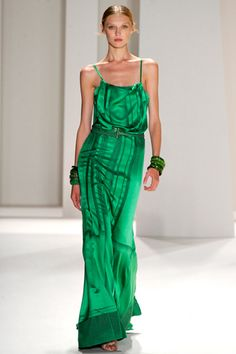 http://www.style.com/slideshows/2011/fashionshows/S2012RTW/CHERRERA/RUNWAY/00400m.jpg