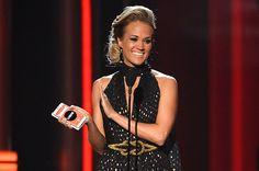 Carrie Underwood Wins Milestone Award at Billboard Music Awards 2014 (Video) | Billboard