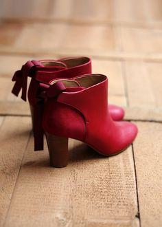 Morgane Sézalory - Sézane, high farrow boots