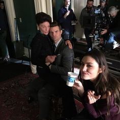 Daniel and phoebe bts season 2 Vampire Diaries Funny, Vampire Diaries The Originals, Elijah The Originals, Originals Cast, Klaus And Hope, Hayley And Elijah, Ian Somerhalder Vampire Diaries, Vampire Stories, Tv Show Casting