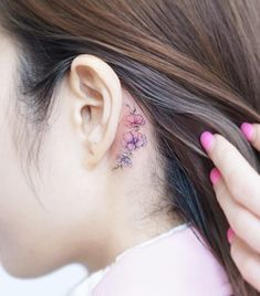 40 Stylish Tattoos by Awesome Tattoo Artist Mini Lau - Game of Spoons - 40 Stylish Tattoos by Awesome Tattoo Artist Mini Lau - Flower Tattoo Ear, Tiny Flower Tattoos, Beautiful Flower Tattoos, Pretty Tattoos, Mini Tattoos, Body Art Tattoos, Small Tattoos, Tatoos, Chic Tattoo