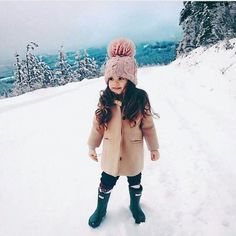 Stunning 37 Rustic Kids Winter Outfits Ideas That Looks So Cute So Cute Baby, Cute Babies, Baby Kids, Cute Children, Baby Baby, Cute Baby Girl Outfits, Toddler Outfits, Little Girl Fashion, Toddler Fashion