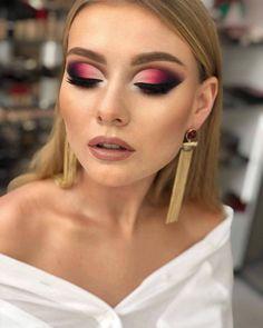 Stylish 40 Fancy Makeup Tips Ideas To Look Cute Any Event Loading. Stylish 40 Fancy Makeup Tips Ideas To Look Cute Any Event Fancy Makeup, Makeup Eye Looks, Beautiful Eye Makeup, Cute Makeup, Eyeshadow Looks, Glam Makeup, Eyeshadow Makeup, Hair Makeup, Elegant Makeup
