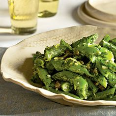 Also called Italian flat beans or runner beans, this snap bean variety looks like a wide, flat green bean. You can easily substitute an equal amount of regular green beans in this side dish. Bean Salad Recipes, Green Bean Recipes, Green Bean Salads, Green Beans, Romano Beans Recipe, Recipes With Romano Beans, Vegetable Side Dishes, Vegetable Recipes, Bean Varieties