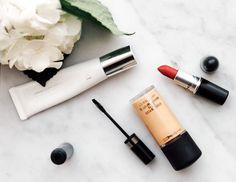 Makeup - Fashionweek 2.0 Cat Eyeliner, Lipstick, Makeup, Beauty, Eggs, Make Up, Lipsticks, Beauty Makeup, Beauty Illustration