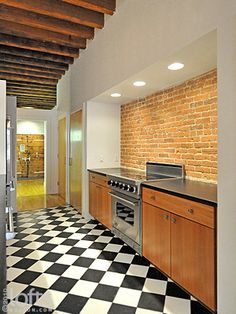 I would die if this was my kitchen-there is an industrial grade fridge around the corner