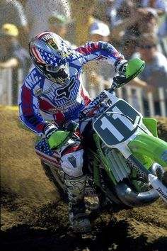 Ricky Carmichael comes in at Ktm Dirt Bikes, Cool Dirt Bikes, Mx Bikes, Dirt Bike Racing, Off Road Bikes, Off Road Racing, Dirt Biking, Enduro Motocross, Motocross Racing