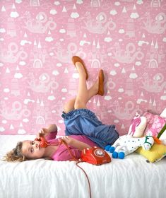 This pink dragon world will delight little adventurous princes and princesses. The robust washable non-woven wallpaper by design company Majvillan . Funky Wallpaper, Kids Wallpaper, Pink Dragon, Castle In The Sky, Pink Kids, High Quality Wallpapers, Bubblegum Pink, Basic Colors, Girl Room