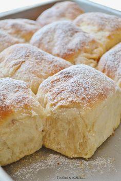 Piece Of Bread, Dinner Rolls, Dessert Recipes, Desserts, Baking, Sweet, Makeup, Food, Sweet Recipes