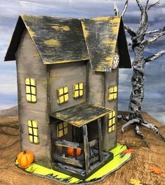 Halloween Paper Houses to make for your very own Halloween village Halloween Window, Halloween Village, Halloween House, Haunted Halloween, Victorian Dollhouse, Modern Dollhouse, Glitter Shower Curtain, Halloween Arts And Crafts, Holiday Crafts