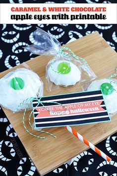Halloween Treats: Caramel and White Chocolate Caramel Eyes with printable