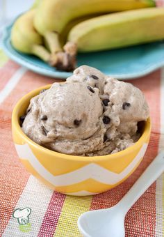 Banana Ice Cream Recipe : This banana ice cream has no cream in it at all. No one will know that this banana ice cream is a low fat frozen dessert. And no ice cream maker is required; just pop it in the freezer.