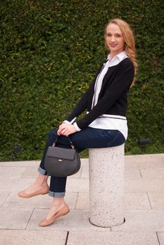 Casual look with a Zara cardigan, white button down, jeans, a black mini bag and Chloe flats // Cheers J