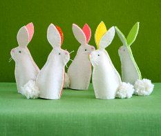 Easy and cute bunny puppets perfect for Easter basket.