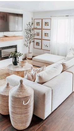Home Living Room, Apartment Living, White Living Room Sofas, Neutral Living Rooms, Living Room With Plants, Modern Farmhouse Living Room Decor, Simple Living Room Decor, Coastal Living Rooms, Living Room Colors