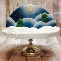 I made 4 of this Brandy soaked, rich fruit Christmas cakes, and I airbrushed them to give them a winter theme! Disney Christmas, Kids Christmas, Christmas Cakes, Xmas Cakes, Airbrush Cake, Snowman Cake, Winter Treats, Gateaux Cake, Painted Cakes