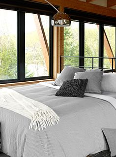 Exclusively from Simons Maison A very modern design in home fashion with it. Men Home Decor, Vintage Home Decor, White Duvet Covers, Duvet Cover Sets, Master Bedroom, Bedroom Decor, Bedroom Ideas, Nursery Bedding Sets Girl, How To Make Bed