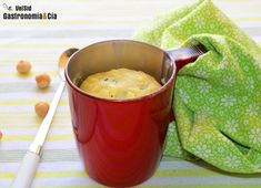 Mug cake de calabacín y queso al microondas
