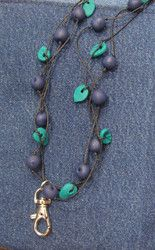 Mustikka avainnauha - Blueberry key necklace Key Necklace, Hobbies And Crafts, Blueberry, Turquoise Necklace, Beading, Helmet, Jewellery, Metal, Glass